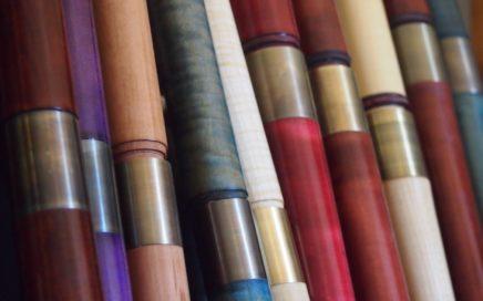 Fujaras in verschiedenen Farbtönen Ahorn und Elsbeere