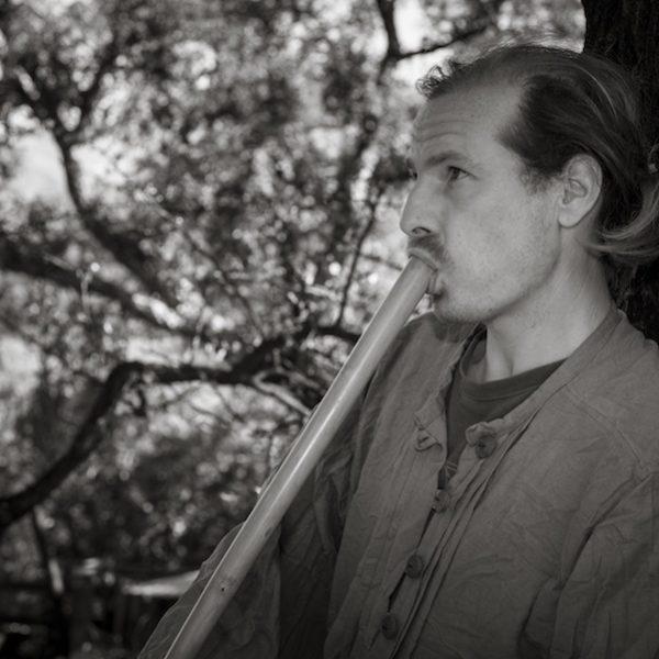Max Brumberg spielt Kaval