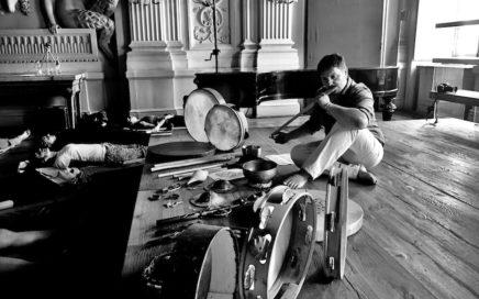 Simone Campa spielt Obertonflöte
