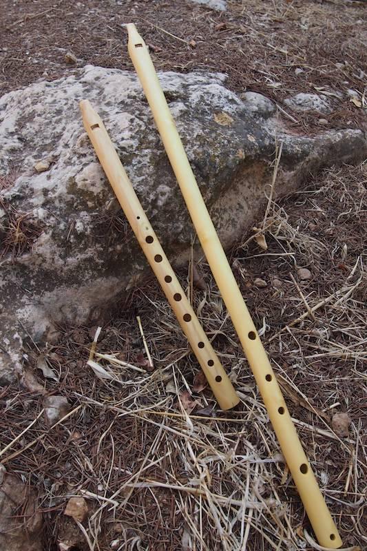 Alghoza Flöte, langer Bordun und kurze Melodieflöte