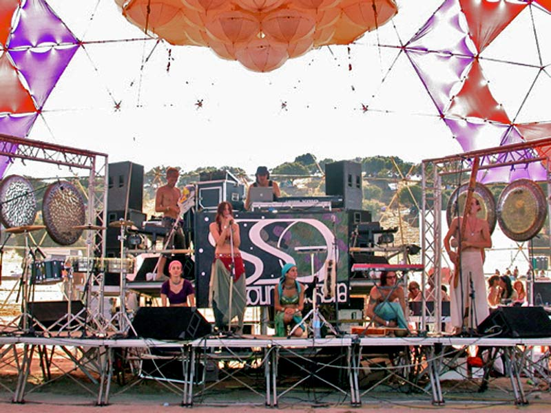 Max Brumberg and the StarSoundsOrchestra at the Boom Festival 2004